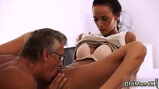 Daddy piss This tall and uber-sexy man over sixty was in her