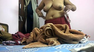 Indian Desi Aunty Changing Clothes