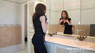 Perverted cooker fucks young French mistress Rachel Adjani and makes her moan