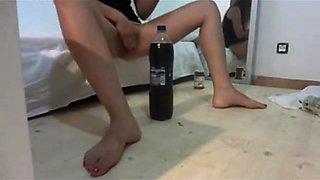 Teen fucks huge Pepsi bottle