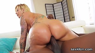 Pornstar hottie gets her anal pounded with hard dick