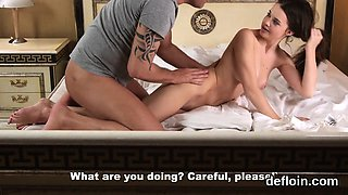 Elegant sweetie opens up narrow muff and gets deflowered