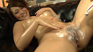 Yukina Mori oiled rubs her clit till cums