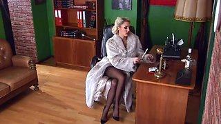 Pin Up Girl Stockings, Louboutins & Fur