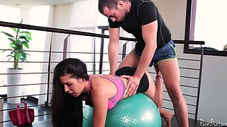Awesome sporty bootyful sexpot Alexa Tomas gets both fuck holes drilled