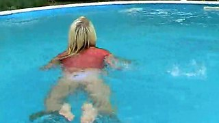 Horny Blonde With Big Natural Tits Fucks Herself Poolside