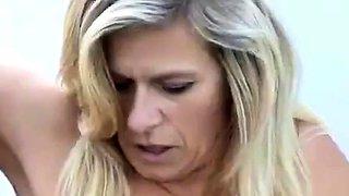 Deutsch durchbohrte Mutter in der ffentlichkeit