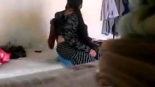 Indian married aunty romance with neighbour younger boy
