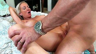 Busty cougar Emma Starr sucks Preston Parker's dick in 69 position