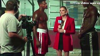 Rep&oacute_rter/Jornalista fodendo com Dois Homens Negros Suados... Reporter/Journalist Fucking with Two Men Big Black Cock Oiled