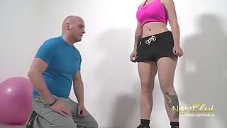 Physicallyfit babe&#39s sweaty gym fuck session