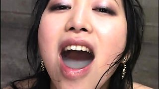 Slutty Japanese babe gets her mouth filled with hot jizz
