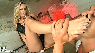 Sexy blonde mistress Jenny gets her sweet feet polished