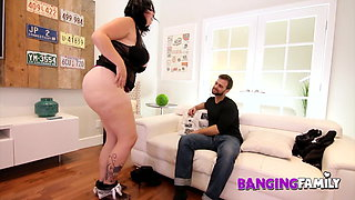Banging Family – Stepmom is a Dirty Hoe