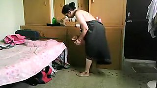 Pregnant Bhabhi Changing