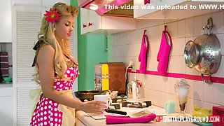 Kayla Kayden - Narried Housewife Gets Her Retro Pussy Banged By Milkman