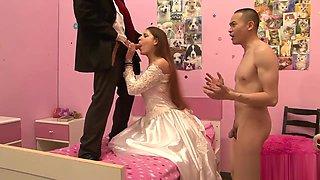Hot Bride Has Her Moist Beaver Hammered