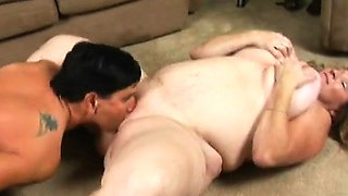 Deedra's an outrageously horny mature plumper who looks