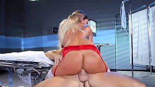 Kinky huge boobs blondie nurse pounded in hospital ward