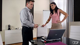 Passionate secretary seduces her boss and sucks his cock sticking out of pants