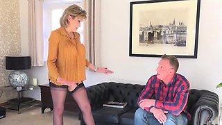 Unfaithful british milf lady sonia displays her monster titt