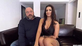 Threesome On Couch With Susy Gala