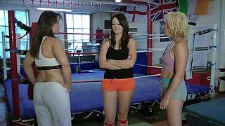 2 vs 1 wrestling