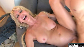 Hot Mom Erica Lauren Likes To Fuck a Young Stud Her Horny Ass_1080p