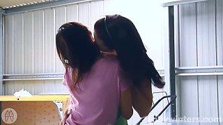 Hayley And Mei Do Lez