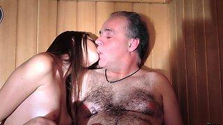 Blessed old bastard fucks 19 yo pussy