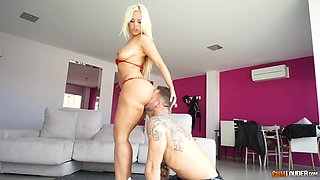 Awesome blonde babe Blondie Fesser likes when a friend fucks her