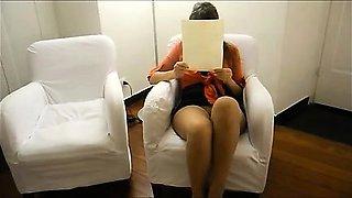 Spouse upskirt no knickers lavish legs .
