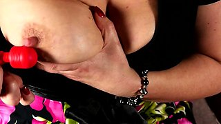 Shaved American mature toying herself
