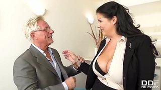 Anissa Jolie In Big Tits N Ass