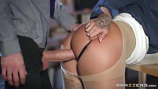 Susi is a sexy tattooed slut that loves big dicks