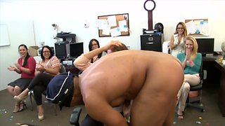 Office girls spend their afternoon sucking cock at a party