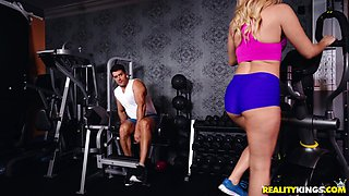 Cum swallower Aaliyah Love likes it rough and sexy at the gym