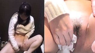 Kinky teen rubbing clit