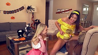 Birthday Threesome With Two Girlfriends Frees Student Balls From Cum - Nathan Bronson, Kylie Rocket And Lily Larimar
