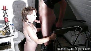 slave on her knees blowjob soumise libertine bdsm