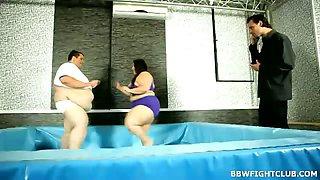 Hardcore BBW wrestling