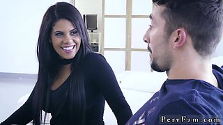 Mom chum's playfellow taboo sex first time Comparte Con