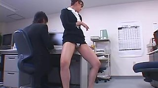 Belle jambe bureau dame