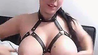 Busty Camgirl With Pierced Nipples Masturbate