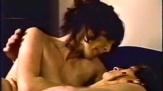 Vintage slim brunette milf lady gives nice blowjob