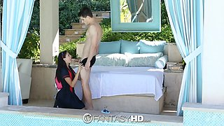 Having seduced dude by the pool brunette Ariana Marie keeps riding cock
