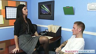 india summer hikes up her skirt and tells him to eat her cunt
