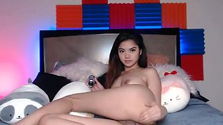 Horny Filipina teen on webcam