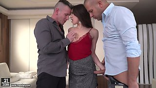 Attractive leggy secretary in stockings Tiffany Doll gets double penetrated