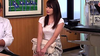 Bodacious Japanese wife has a kinky doctor using her pussy